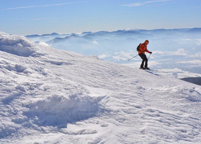 alpine-skier-4817894_1920